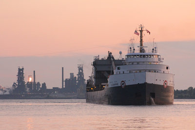 Algomarine, completing the pivot in the Detroit River