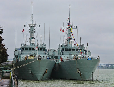 HMCS Shawinigan and HMCS Summerside