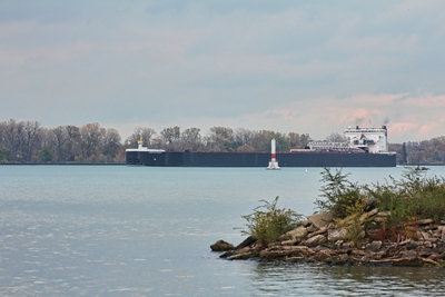 American Integrity passing the Peche Island light