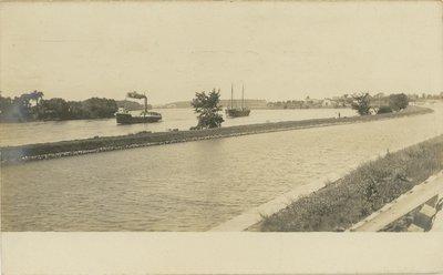 Rapide Plat canal near Morrisburg