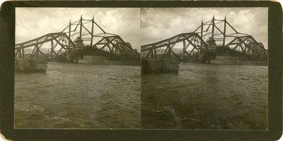 Wreck of the Interstate Bridge, Duluth Harbor