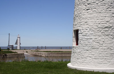 The range lights at the mouth of the Thames River