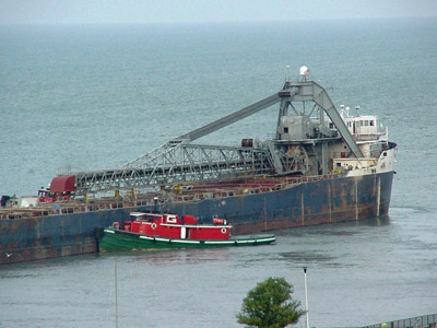 SARAH SPENCER aground at Windsor, mid-afternoon, 30 September 2008 with the tug SUPERIOR