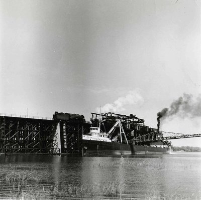 """Fontana"" taking coal at Sodus, 1955"